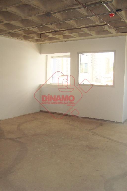 boa localização, sala medindo +/- 47 m², 02 banheiros, recepção, copa, vaga de garagem. estuda permuta(preferência...