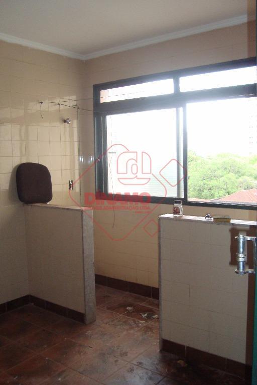 59 m2 úteis, 1 dormitório, sala 2 ambientes, wc. social, cozinha, área serviço, não tem garagem,...