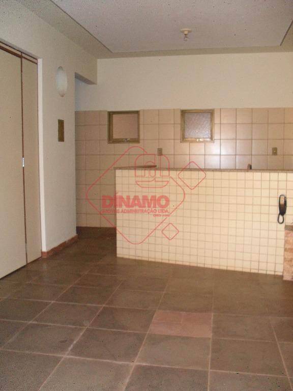 01 dormitório, sala, wc social, cozinha, área de serviço, quintal e entrada individual. não tem garagem.*...