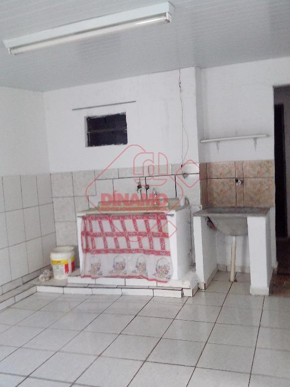 02 dormitórios, sala, wc social, cozinha, área serviço, quintal e garagem.* aceita proposta