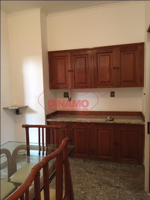 3 suítes(todas com closet/armários/blindex), sala 4 ambientes, lavabo, cozinha/área serviço planejadas, piscina, quintal, quarto/wc. empregada, 4...