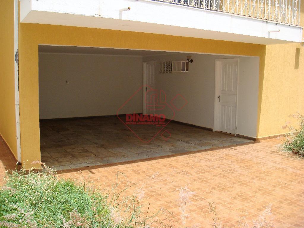 3 dormitórios (sendo 01 suíte), armários, salas, escritório, lavabo, wc social, copa/cozinha (armários), área serviço, dep....