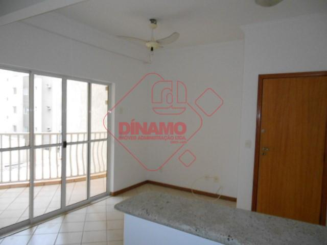 1 dormitório(armário), sala, wc. social(box blindex), sacada, cozinha (gabinete pia), área serviço, 1 vaga garagem. prédio...