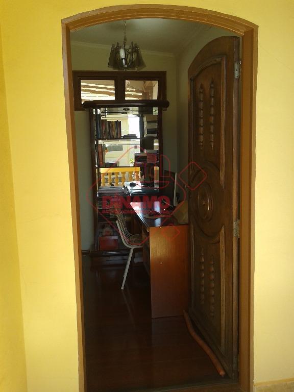 face sombra, 3 dorms.(suíte c/ blindex/gabinete) armários, 2 salas(estar/jantar), escritório, wc. social(gabinete/blindex), sacada, cozinha planejada, área...