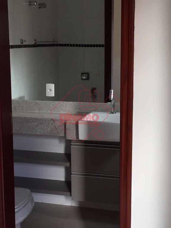3 dorms.(suíte) armários, sala, wc. social(gabinete/blindex), sacada, cozinha/área serviço planejadas, wc. empregada, 2 vagas garagem, prédio...
