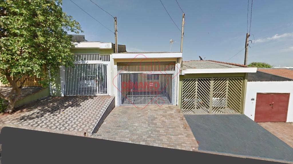 alugada, 2 dorms., sala, wc. social (box blindex), cozinha planejada, lavanderia, 2 vagas garagem coberta, área...