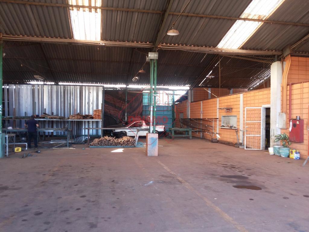 barracão de estrutura metálica, mezanino, portaria, pátio pavimentado, terreno 100 x 80 = 8.000 m2, construção...