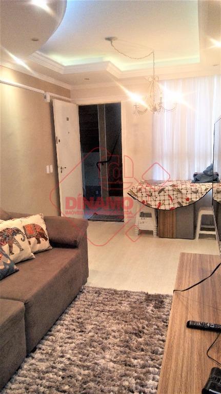 3 dorms.(suíte c/ armários planejados), sala 2 amb./painel/sanca, wc. social(gabinete/blindex), cozinha planejada, área serviço (armários), 2...