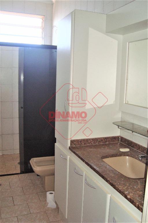 03 dormitórios (sendo 01 suíte, armários, ventiladores), sala (ventilador), wc social (gabinete, blindex), copa, cozinha (armários),...