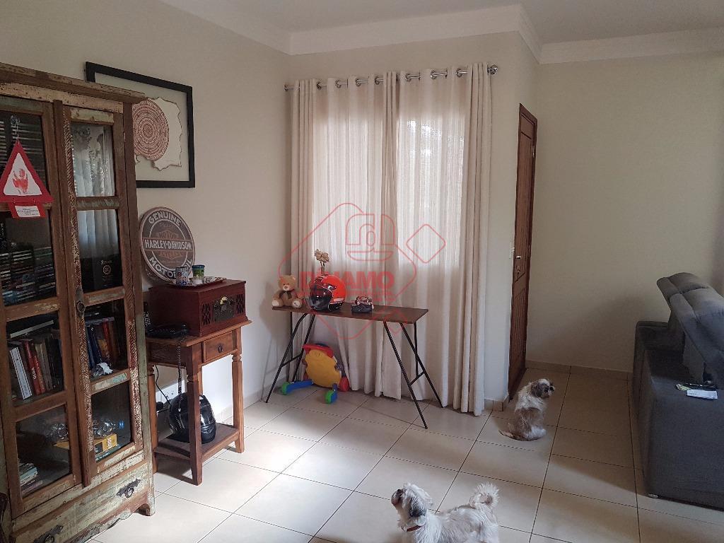 3 dorms.(suíte) armários, sala, lavabo, wc. social(box vidro), varanda, cozinha planejada, área serviço armários, quintal grama,...