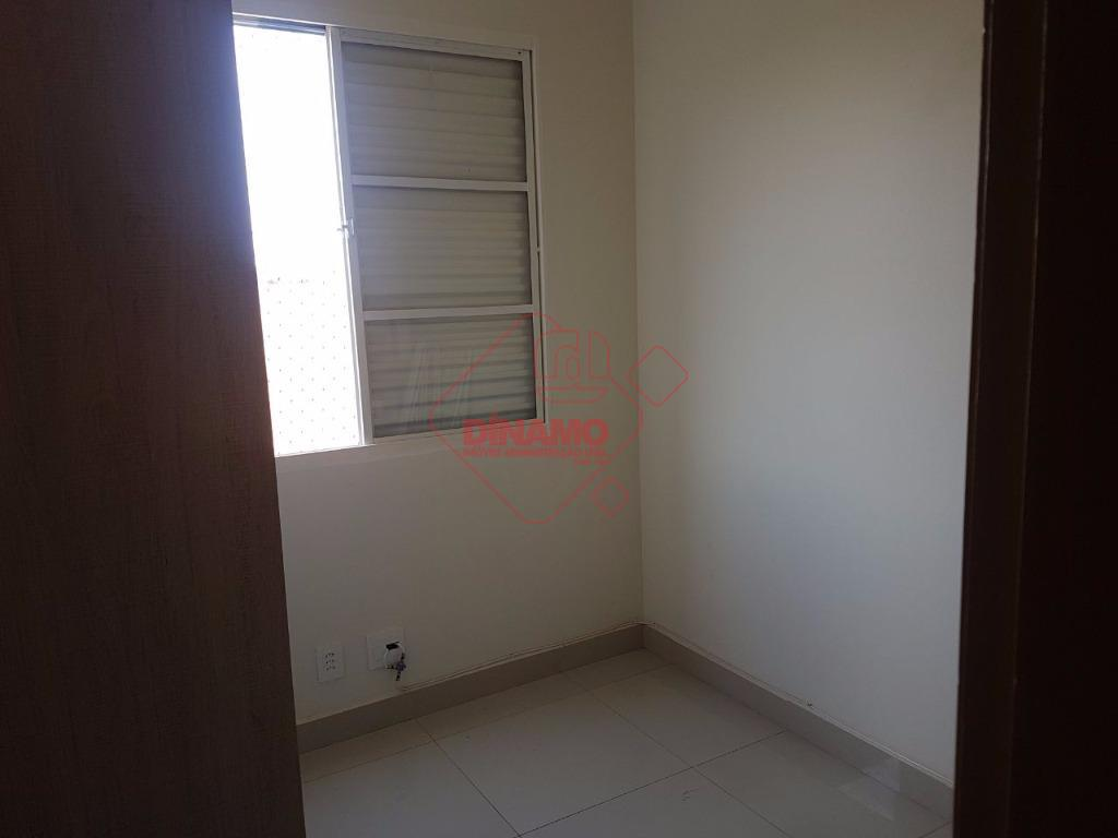 3 dorms.(suíte c/ gab./blindex) armários, sala (painel), wc. social(gab./blindex), sacada, cozinha planejada, área serviço (gabinete), 1...