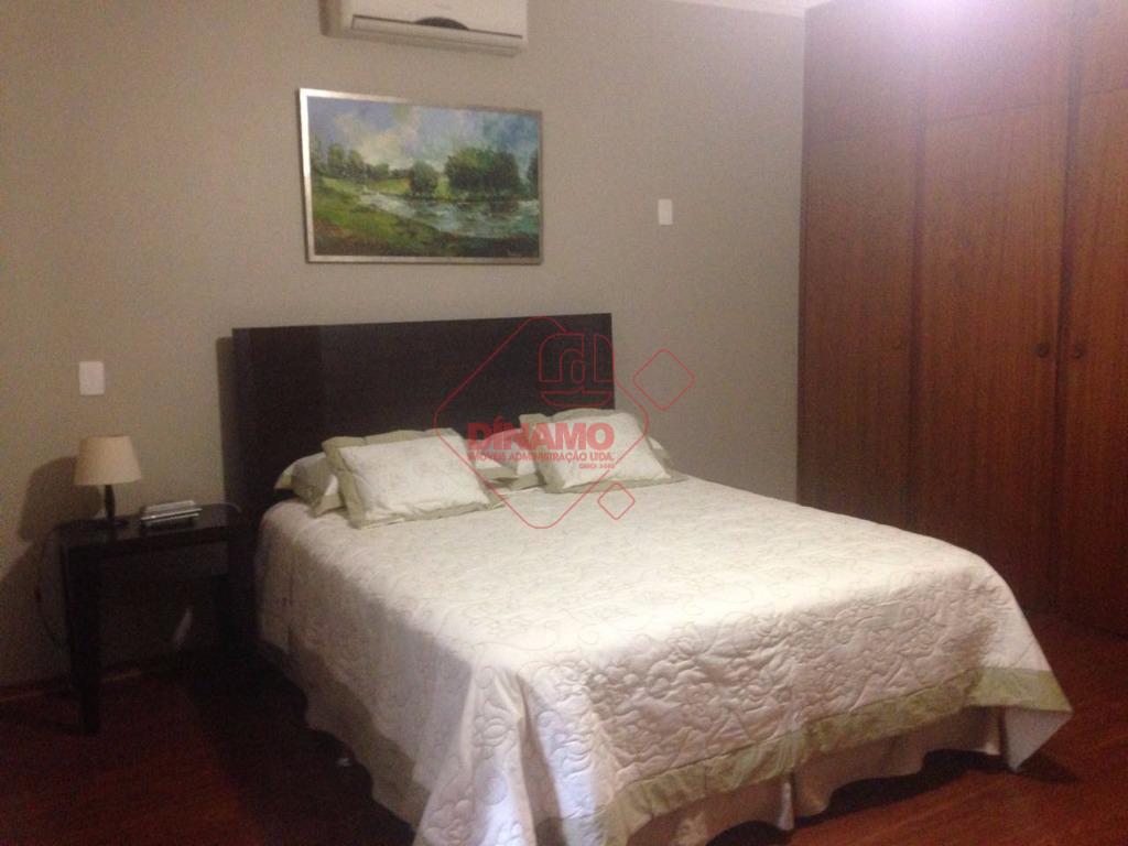 excelente imóvel, com 5 dorms.(3 suítes c/ blindex/closet) armários/1 transformado em escritório, sala 2 ambientes, lavabo,...