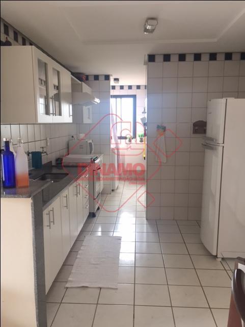 face sombra, 1 suíte(armário/blindex/gabinete/espelho), sala 2 ambientes, sacada, cozinha planejada, área serviço, 1 vaga, lazer na...
