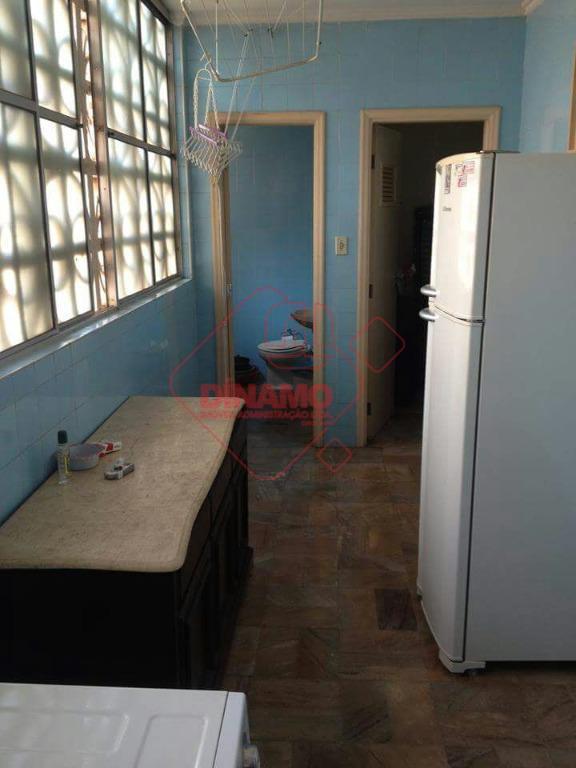 3 dorms.(suíte c/ closet) armários, sala 2 amb., wc. social (gab./blindex), sacada na suíte/sala, cozinha planejada...