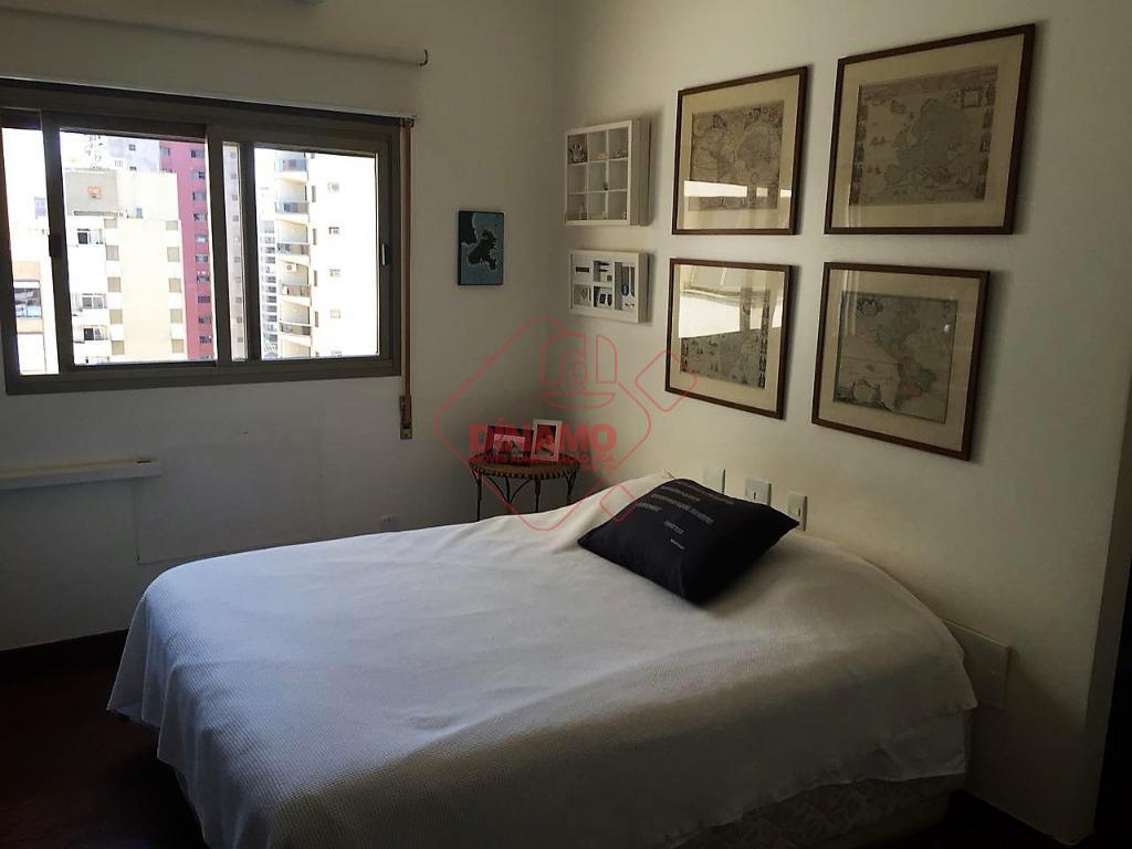 localização privilegiada! face sombra, riquíssimo em armários, 4 dorms.(2 suítes c/ closet/blindex/hidro) armários/piso assoalho, sala 3...