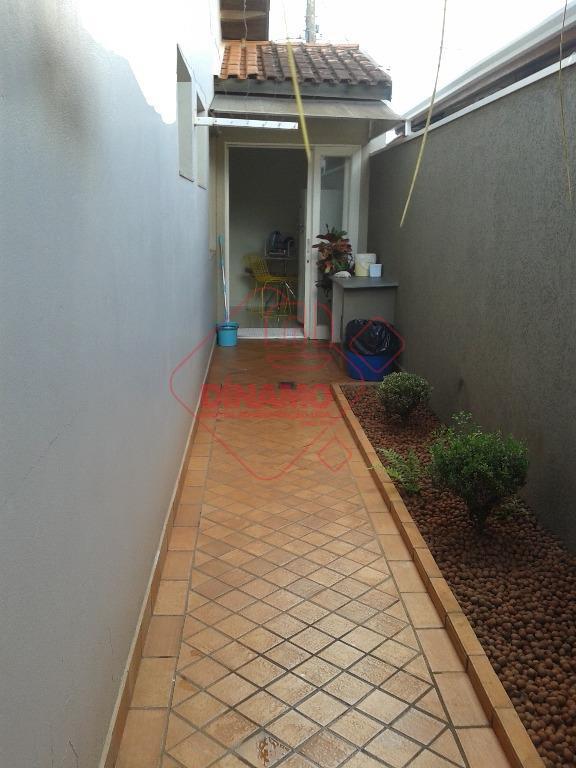 3 dorms.(suíte) armários, sala 2 ambientes, wc. social(gab./blindex), varanda, copa-cozinha planejada, cozinha, área serviço, quarto/wc. empregada,...
