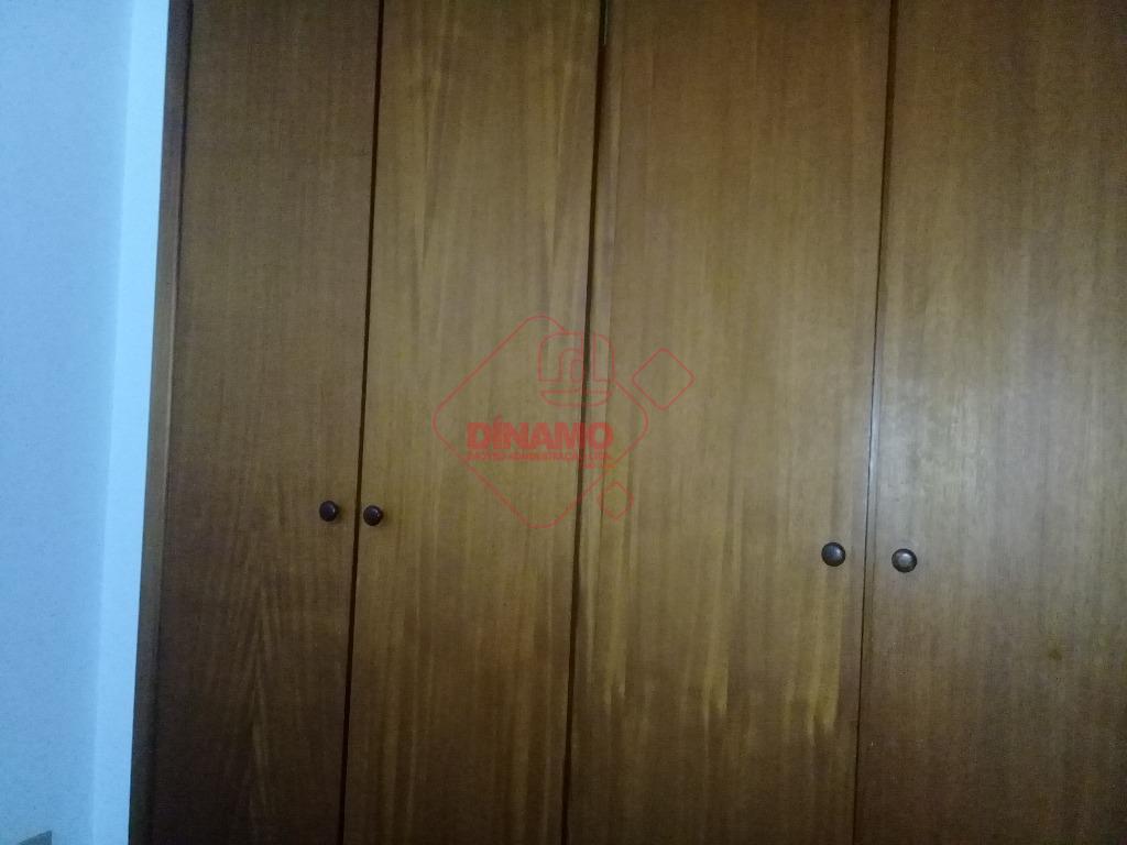 2 dorms.(suíte c/ armário/box), sala 2 ambientes, wc. social(armários/box), sacada, cozinha, área serviço, quarto/wc. empregada, 1...