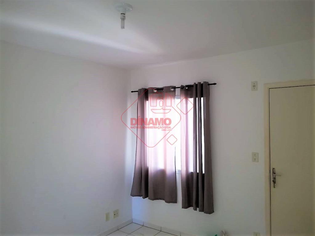 02 dormitórios, sala, wc social (box blindex), cozinha c/ armários, área serviço, garagem p/ 01 carro,...