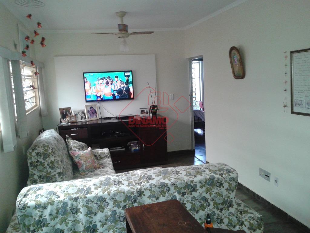 3 dormitórios (armários), 3 salas, wc social (gabinete/blindex), cozinha (gabinete/armário), área serviço, quintal, quarto empregada, wc...