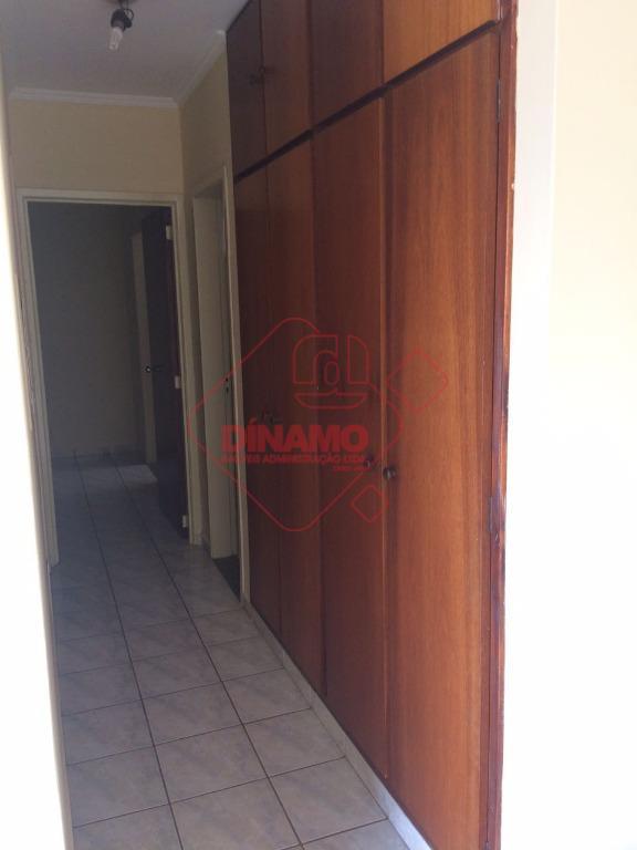 02 dormitórios (01 suíte), rico em armários, sala 02 ambientes, wc social (box), cozinha e área...