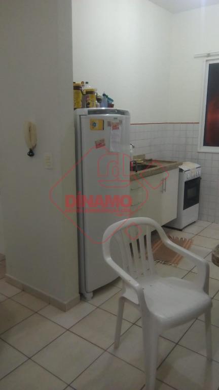 1 dormitório, sala, wc social, cozinha, 1 vaga garagem, piso frio, 46 m² úteis, não tem...
