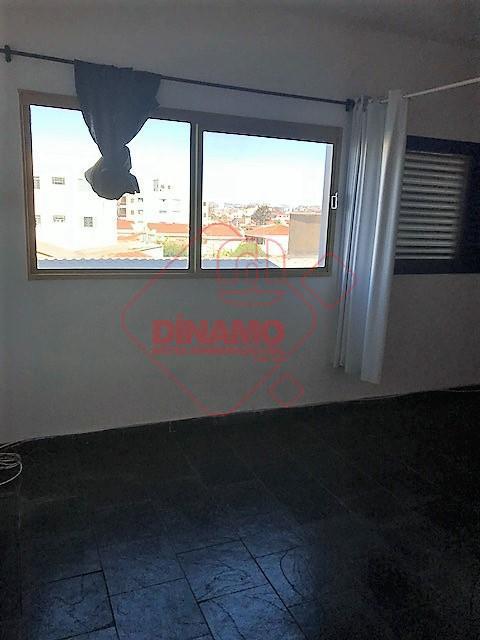 kitnet, face sombra, sala/dormitório (armário), wc social (blindex), cozinha (gabinete), área serviço, 01 vaga garagem, prédio...