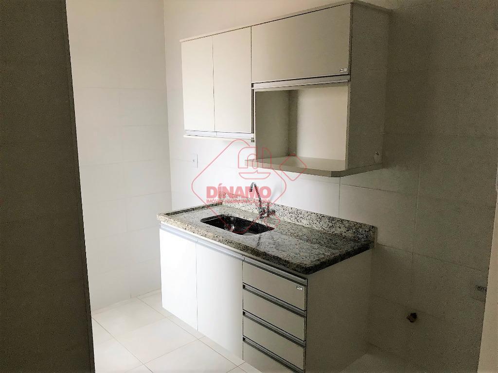 aptº. novo, frente, 01 dormitório, armários, sala, wc social (gab./blindex), cozinha c/ armários, área serviço, garagem...