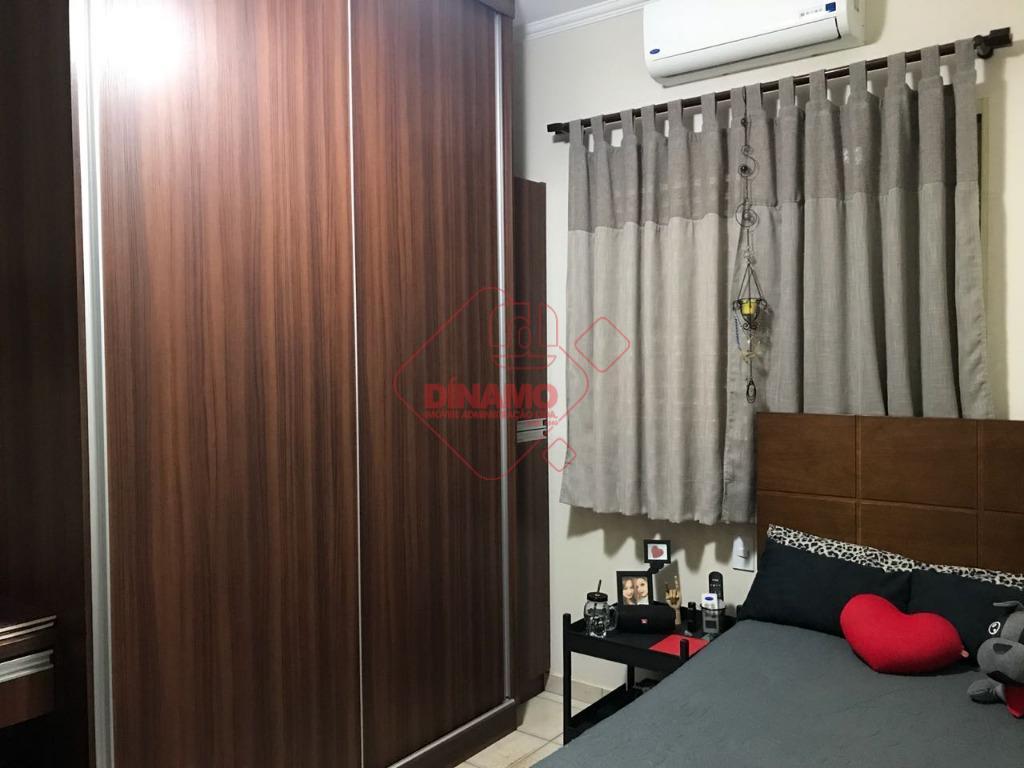 3 dorms.(suíte) armários/ventiladores, sala ampla, wc. social(gabinete/blindex), cozinha planejada, área serviço (armários), quintal, despensa, quarto/wc. empregada,...