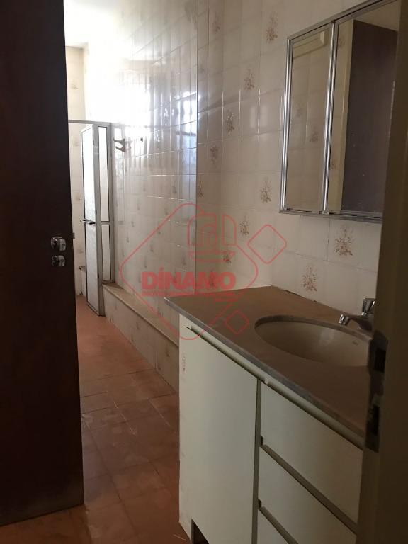 1 dormitório(armário), sala, wc. social(gabinete/espelho/box acrílico), cozinha, área serviço, 1 vaga coberta, elevador, prédio 8 andares,...