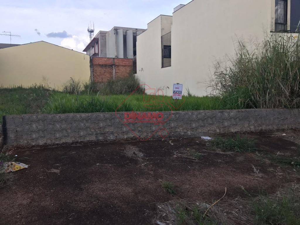 terreno 10 x 25 = 250 m2, próximo ao fórum.