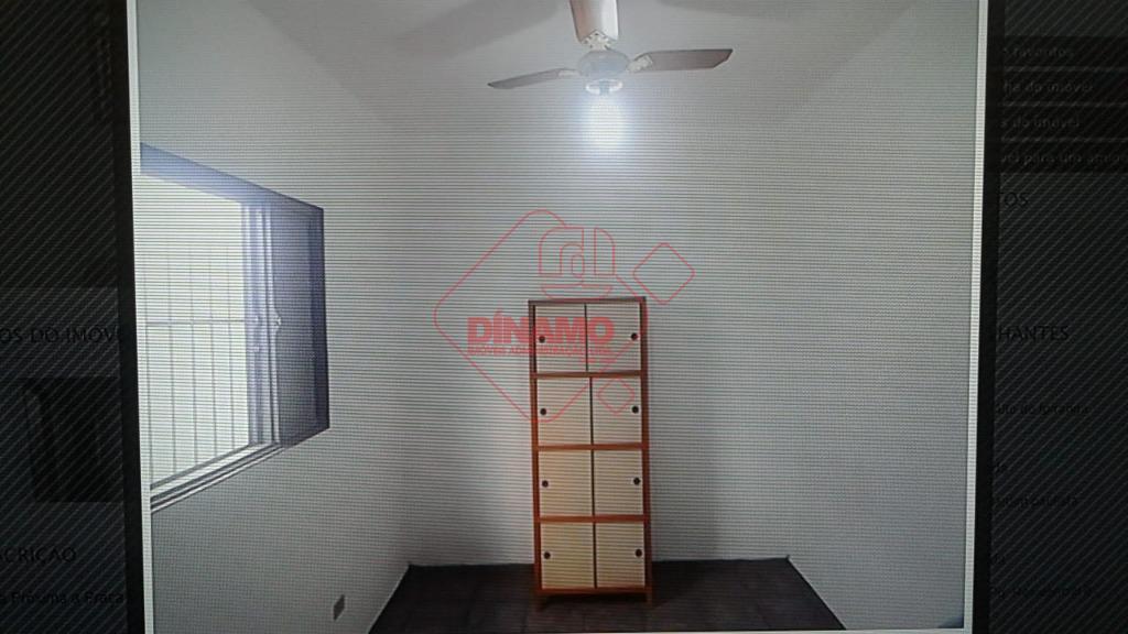 boa localização, 2 dorms., sala, wc. social, cozinha, área serviço, garagem coberta 2 carros. aceita financiamento.