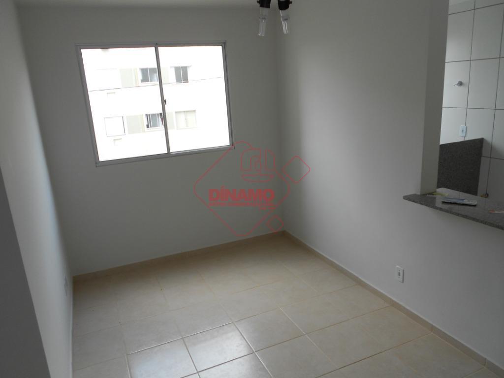 2 dorms.(armário em 1), sala, wc. social, cozinha, área serviço, 1 vaga garagem coberta, área lazer:...