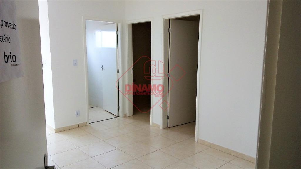 02 dormitórios, sala, wc social, cozinha, área de serviço, 01 vaga de garagem, piscina, churrasqueira, salão...
