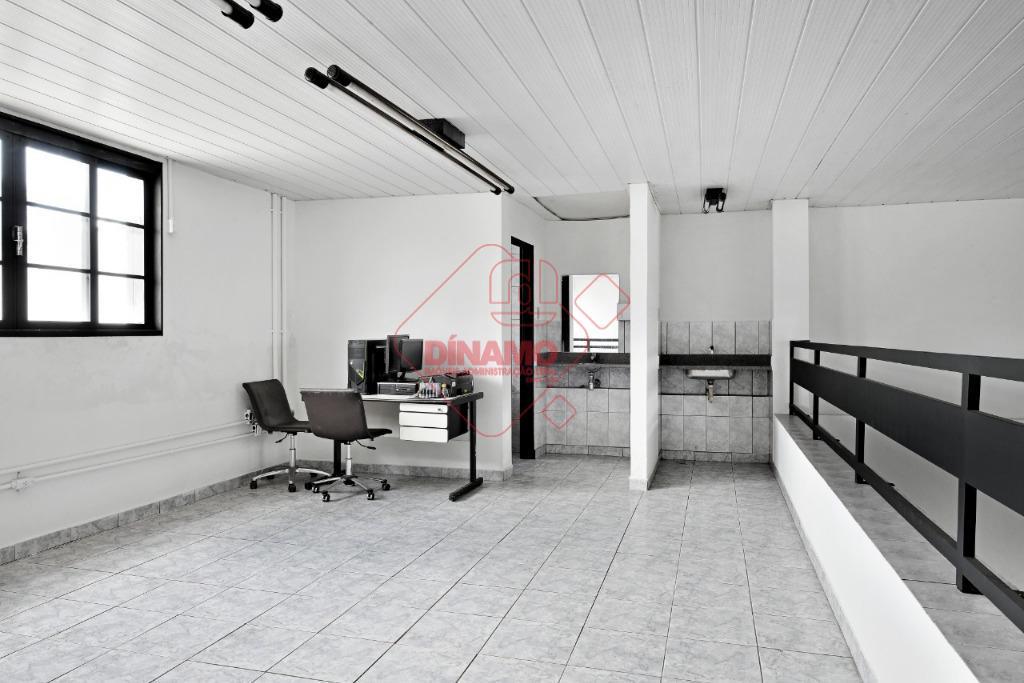 ótima localização, com mezanino, 240 m2.