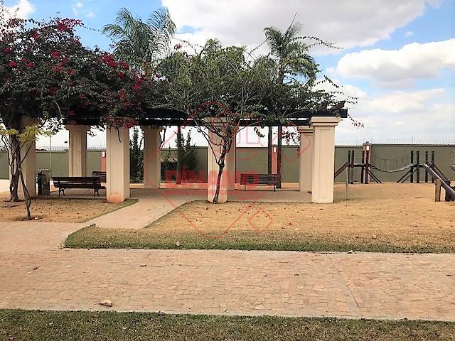 área de 726 m², na ilha, na parte alta do condomínio. condomínio com paisagismo de alto...