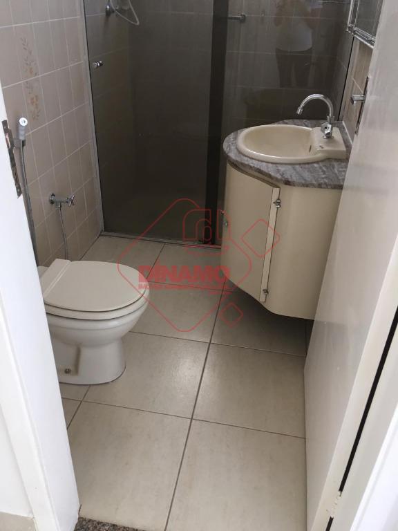 apartamento todo reformado, 03 dormitórios (sendo 01 suíte), sacada, sala 02 ambientes, wc social (gabinete/blindex), cozinha...
