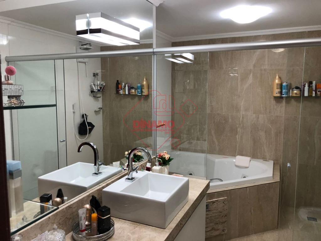 3 dorms.(suíte c/ blindex) armários, sala 2 ambientes, wc. social(gabinete/blindex), sacada, cozinha/área serviço planejadas, wc empregada,...