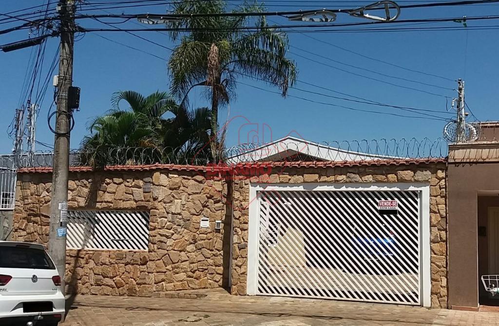 Casa à venda, Jardim Macedo, Ribeirão Preto/SP.