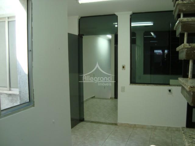 imóvel comercial,na rua do metro belem,com 10 salas com portas de vidro,e recepção.copa/cozinha com 20 metroterraço...