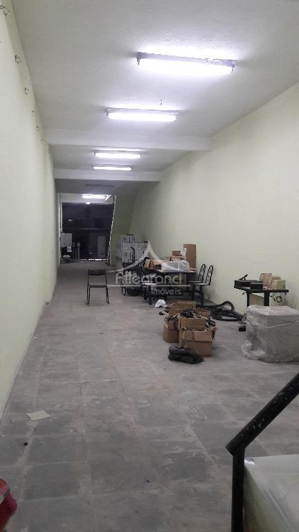 salão comercial com 508 metros,salas,banheiros,próximo ao metro belem,com 3 andares..teereno 4x40 metros