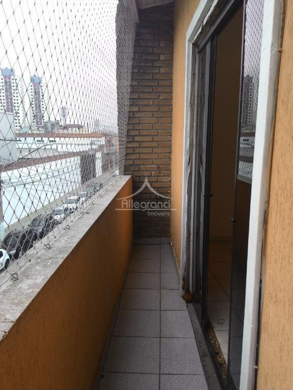 salão comercial com residencia.sendo no 1º piso tem salão comercial.2º piso sendo 2 dormitórios com 2...