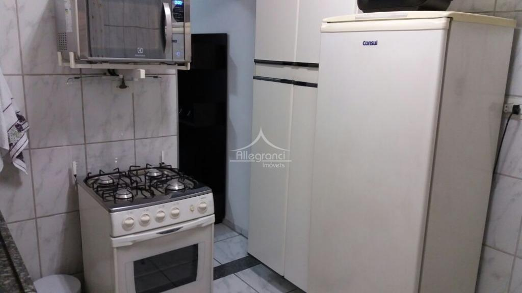 apartamento próximo ao metro sé ,liberdade,com 1 dormitório,sala,cozinha,área de serviço,armários embutidos,lindo apartamento.