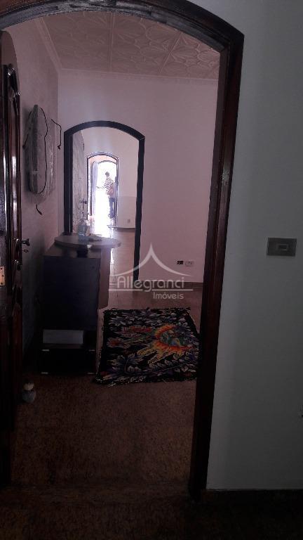 casa comercial,com 3 dormitórios sendo 1 suite,2 salas,2 banheiros,cozinha,2 vagas de garagem,churrasqueira,próximo ao metro belem