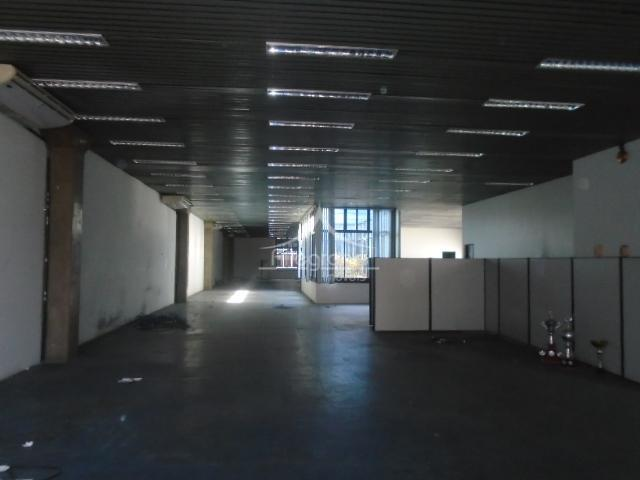 * prédio comercial: ideal para call center / escritórios grandes, etc...* área construída 1700m² divididos em...