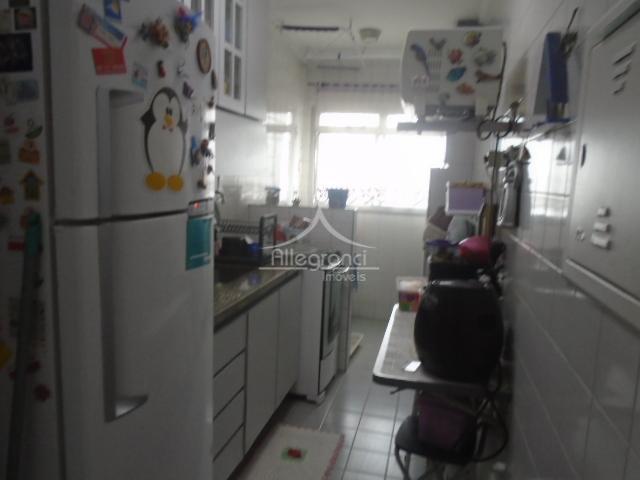 lindo apartamento!!!2 dormitórios, sala com sacada, banheiro, cozinha e lavanderia.muito bem localizado!próximo ao largo do belém...