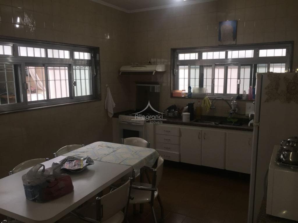 casa, 3 dorm ( são 2 dorm. grandes e 1 banheiro dentro da casa, na parte...