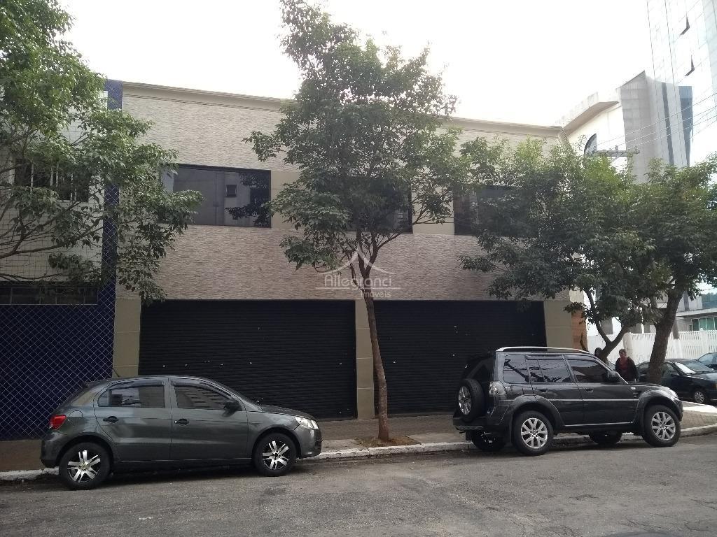 são 7 salas + recepção + 2 banheiros + cozinha.220 m² total.localização maravilhosa ( em frente...