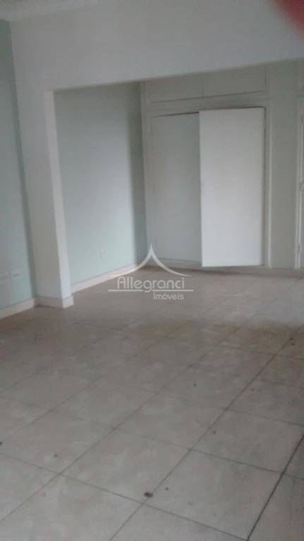 lindo sobrado comercialsão 10 salas3 vagas de garagem3 banheiros2 recepçõesconta com mais um salão de 69,50...