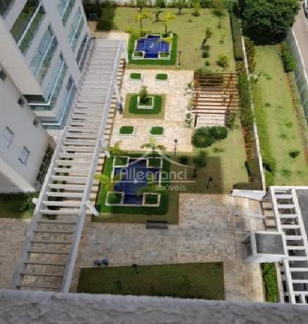 Apartamento com 3 dormitórios à venda, 87 m² por R$ 810.000