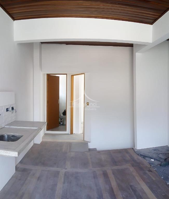 casa somente piso superior toda reformadasala com cozinha2 dormitórios1 banheiroárea de serviçoárea de 57m2.não tem condomínio.